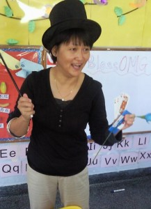 What kind of tricks do you have up your sleeves, Mrs Lisa the magician?