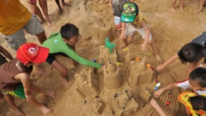 The children were more than happy to add the finishing touches to their sandcastles!